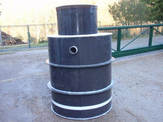 Plastová nádrž NK8-EK - obetonování