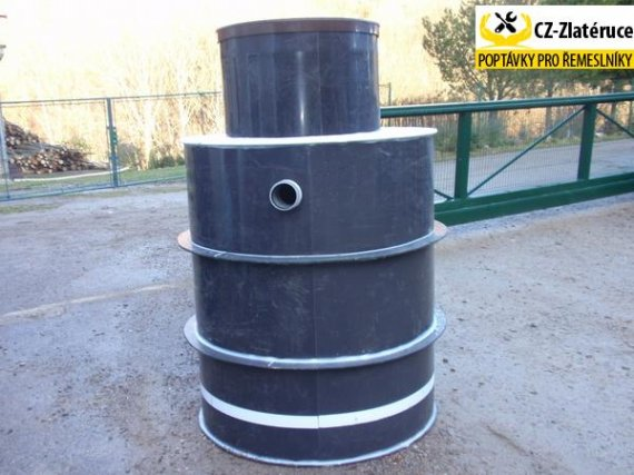 A Plastová jímka(nádrž) NK3-EK o užitném objemu 2 m3